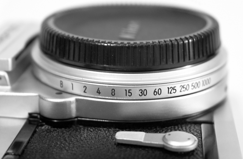 nikon cameras  lenses and accessories dotcom photography i am nikon camera collection Nikon FG Nikkormat FTN Battery